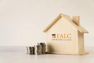 https://www.falcimmo.de/assets/images/d/haus-mit-geld-aus-holz-e2d7edcd.jpg